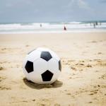 Fußball im Sand