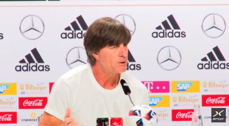 Bundestrainer Joachim Löw in der PK vor dem EM 2016 Halbfinale